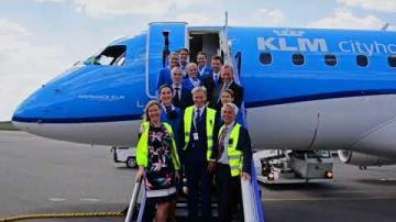 Småland airport sa välkommen till KLM, av Moderaterna
