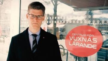 Oliver Rosengren (M) utmanar oppositionsrådet Åsa Karlsson Björkmarker (S)