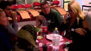 ÖKV Play - Ungdomdirekt Araby - ungdomar och beslutsfattare vid middagsbordet