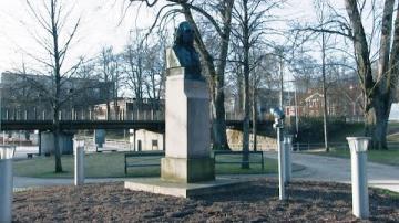 Motion om fortsatt firande av Carl von Linné